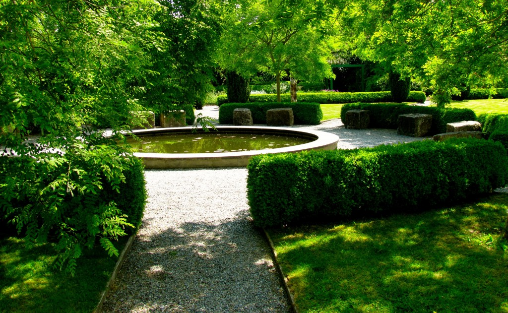 ...through the gardens and past the pool...