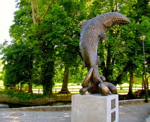 ...the Abounding Fish statue...