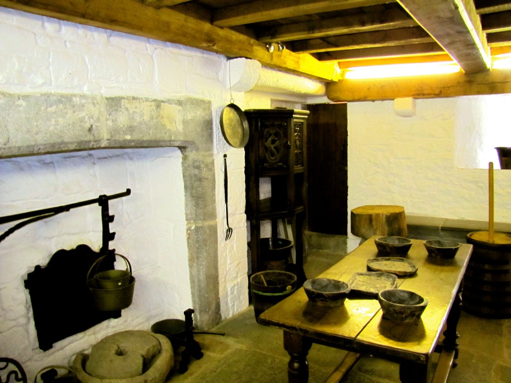 In the gatehouse that makes up the official entryway to the site, they've restored a couple of rooms to give you an idea of what the inside of the various buildings would have looked like. This is the kitchen.