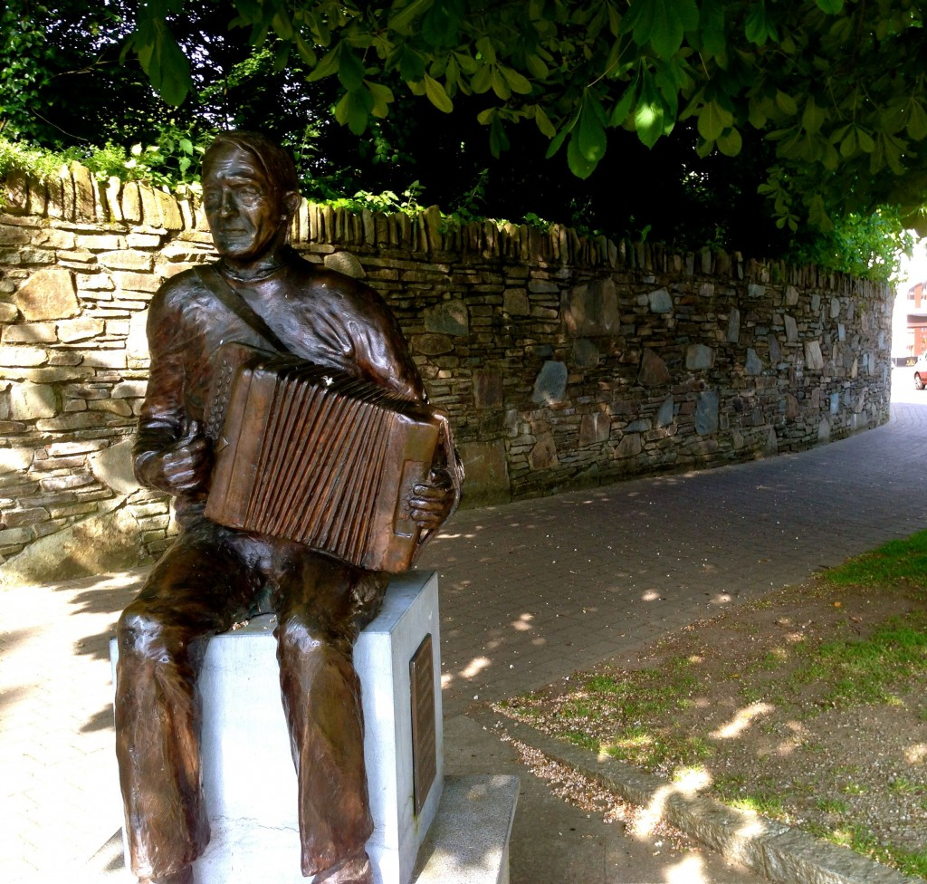 There are some nice statues in the Killarney town parks, including one of Johnny O'Leary, a renowned accordion player...