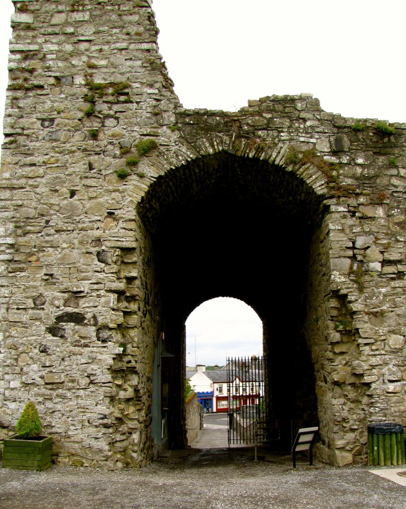 The gatehouse led into the town, and contained the dungeon. It even had an oubliette.