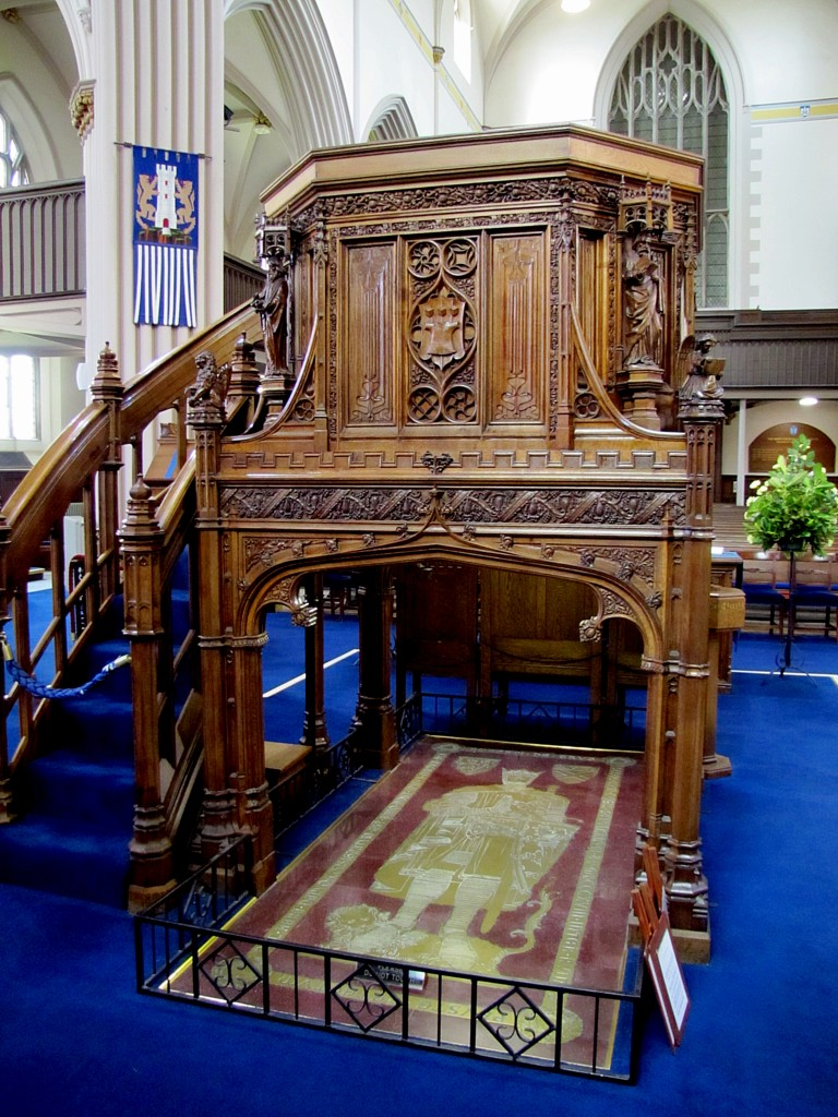 Inside the church, below the pulpit, is the grave of Robert the Bruce.