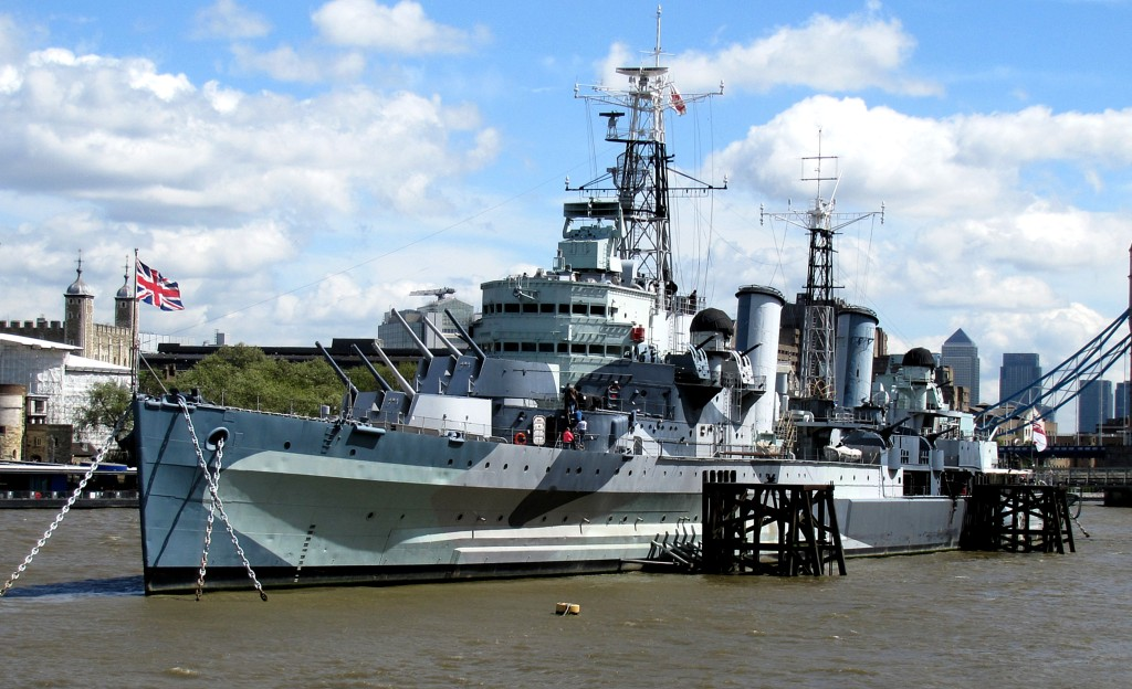 HMS Belfast was docked on this bank as a museum.If I had had a little more time, I would have taken the tour.