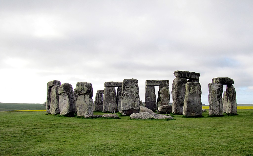 Here we are approaching the stones. If you're on a regular visit, you don't really get to come much closer than this.