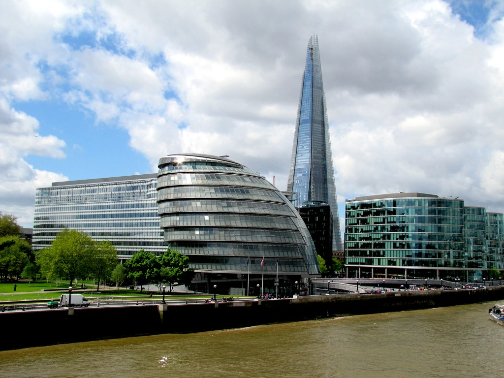 This is the view of the south bank, which is all glass, it seems. The rounded building is City Hall, and you can see the Shard behind it.