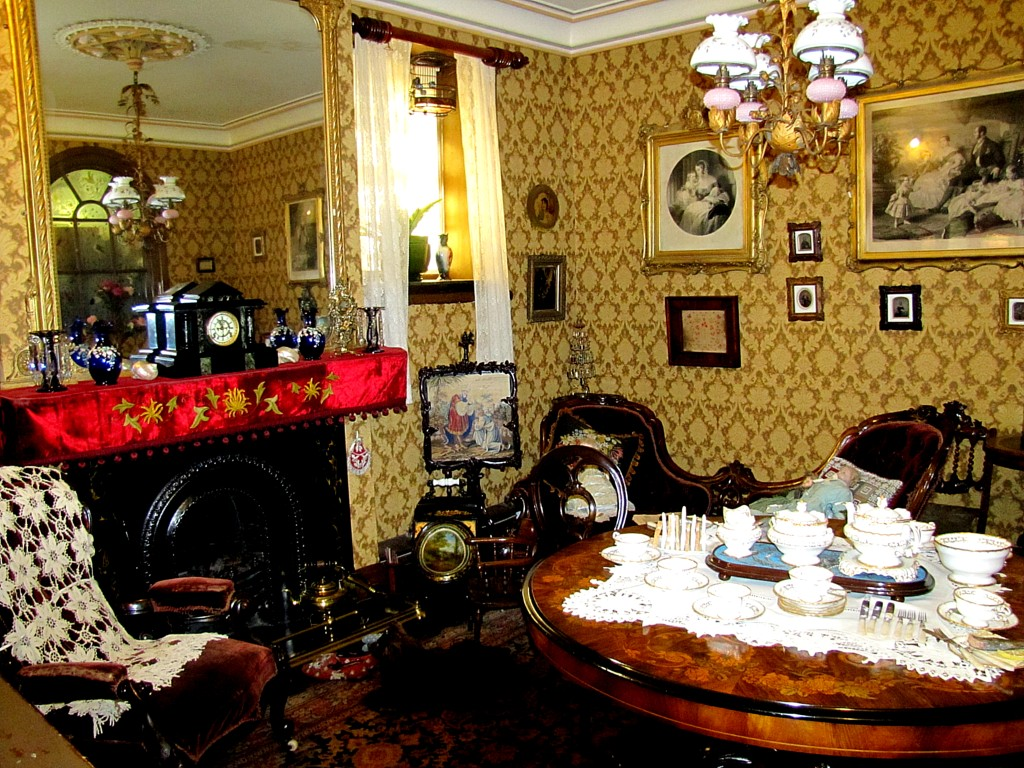Near the entry of the women's prison wing of the museum, there are a few rooms set up to reflect different eras. This is a very nice Victorian parlour.