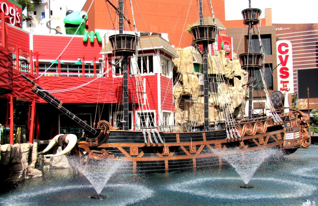 In the lagoon at Treasure Island, just in front of the Senor Frog restaurant, there was a pirate ship that I thought was pretty cool.
